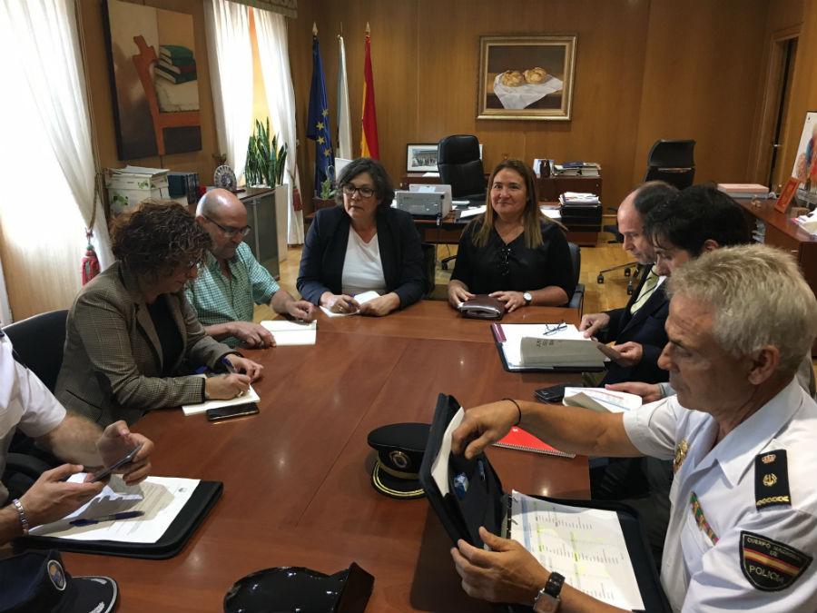<a class=&quot;amazingslider-posttitle-link&quot; href=&quot;https://oporrino.org/a-alcaldesa-e-a-subdelegada-do-goberno-en-pontevedra-presiden-a-xunta-local-de-seguridade-do-porrino/&quot; target=&quot;_self&quot;>A alcaldesa e a subdelegada do Goberno en Pontevedra, presiden a Xunta Local de Seguridade do Porriño</a>
