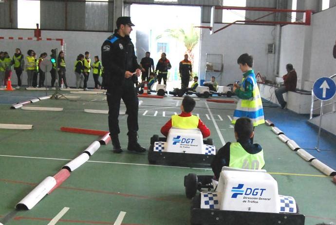 A Policía Local do Porriño imparte educación vial a 215 alumnas e alumnos de centros de infantil e primaria