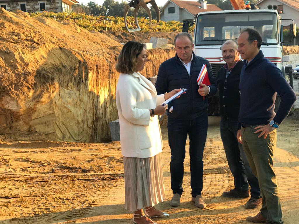 O Concello acomete unha das obras máis importantes deste mandato:a conexión á rede de saneamento de 16 vivendas e a apertura dun novo camiño no barrio de Igrexa, na parroquia de Pontellas
