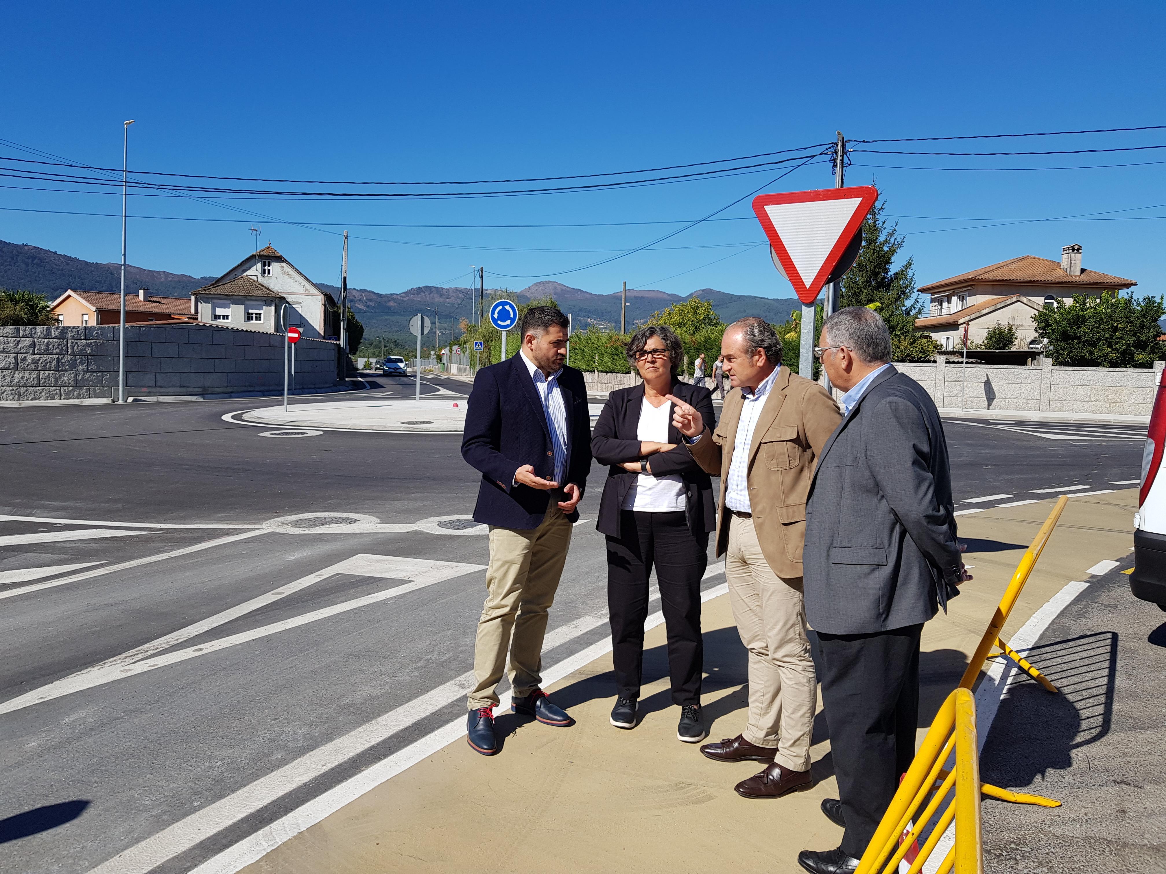 En funcionamento a nova rotonda de A Costeira e a ordenación da zona entre Cerquido e Budiño, que ten un elevado índice de accidentes de tráfico