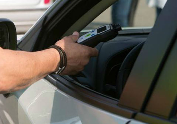 Axentes da Policía Local interceptan a unha condutora que circulaba cun menor no coche e case multiplicaba por catro a taxa de alcol permitida legalmente