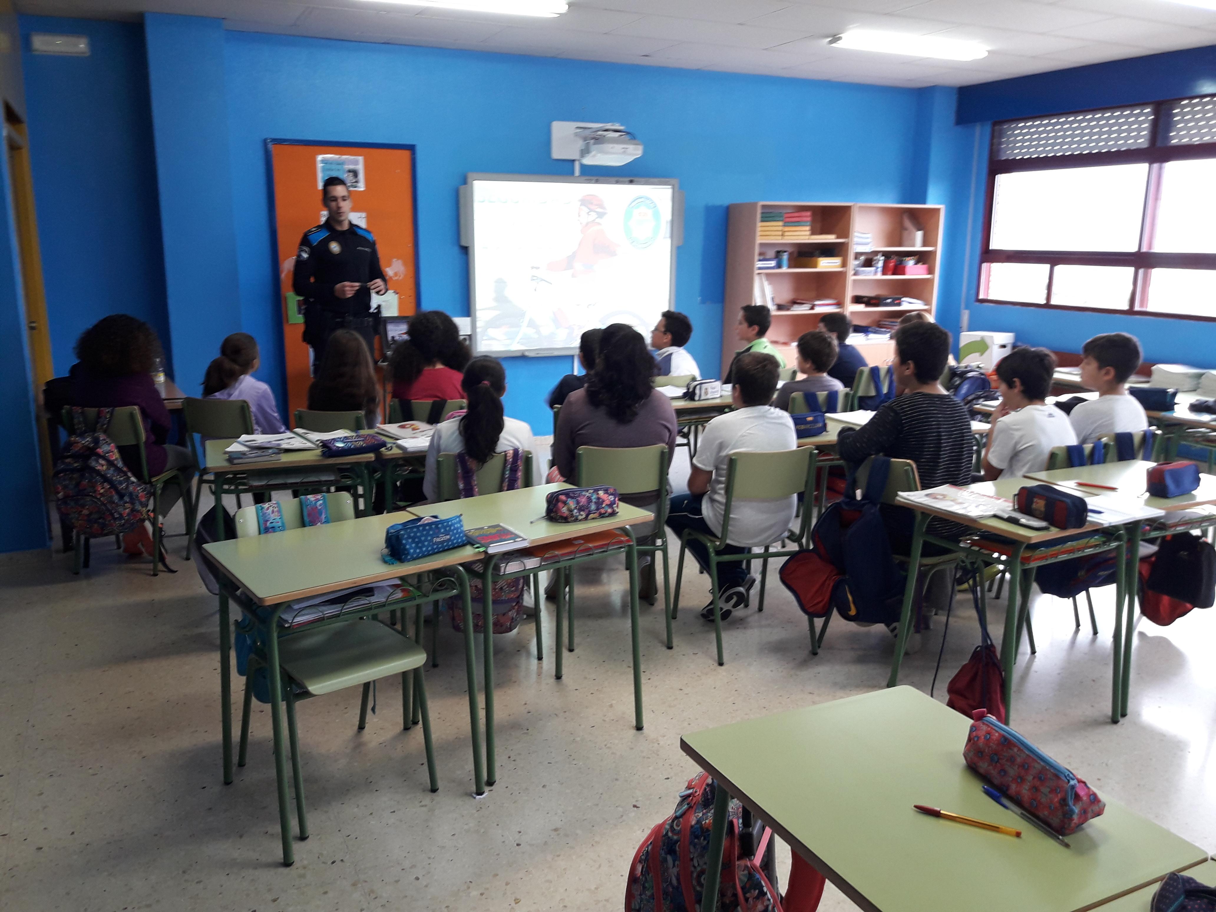 A Policía Local leva a cabo a 'Campaña de Educación Vial', dirixida a alumnas e alumnos de 6º de Primaria de sete centros de ensino do Porriño