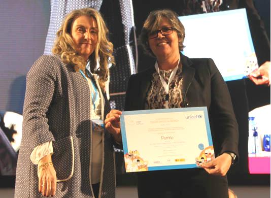A alcaldesa recolle en Oviedo o recoñecemento do Porriño coma 'Cidade Amiga da Infancia', outorgado por UNICEF