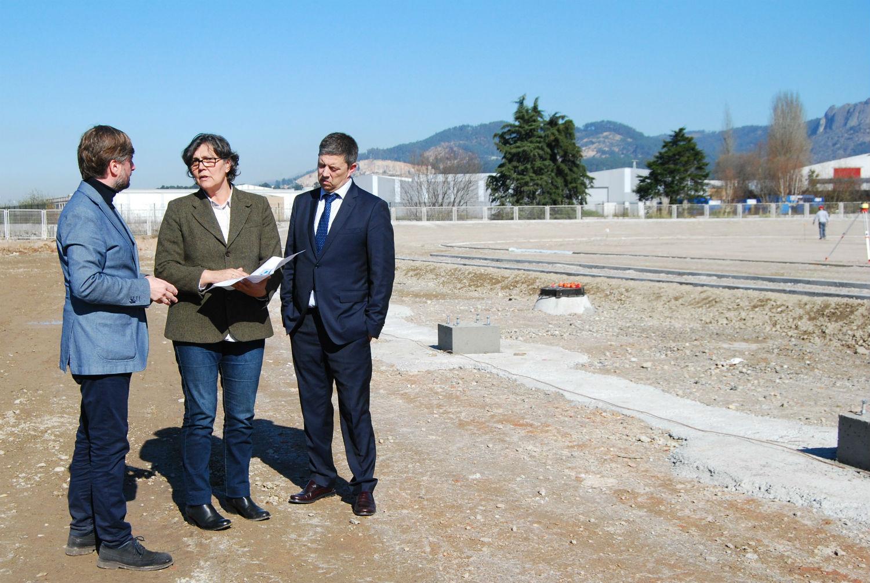 A alcaldesa visita as novas dotacións deportivas da Granxa, que serán unha realidade en poucos meses grazas á achega de 800.000€ por parte da Deputación de Pontevedra