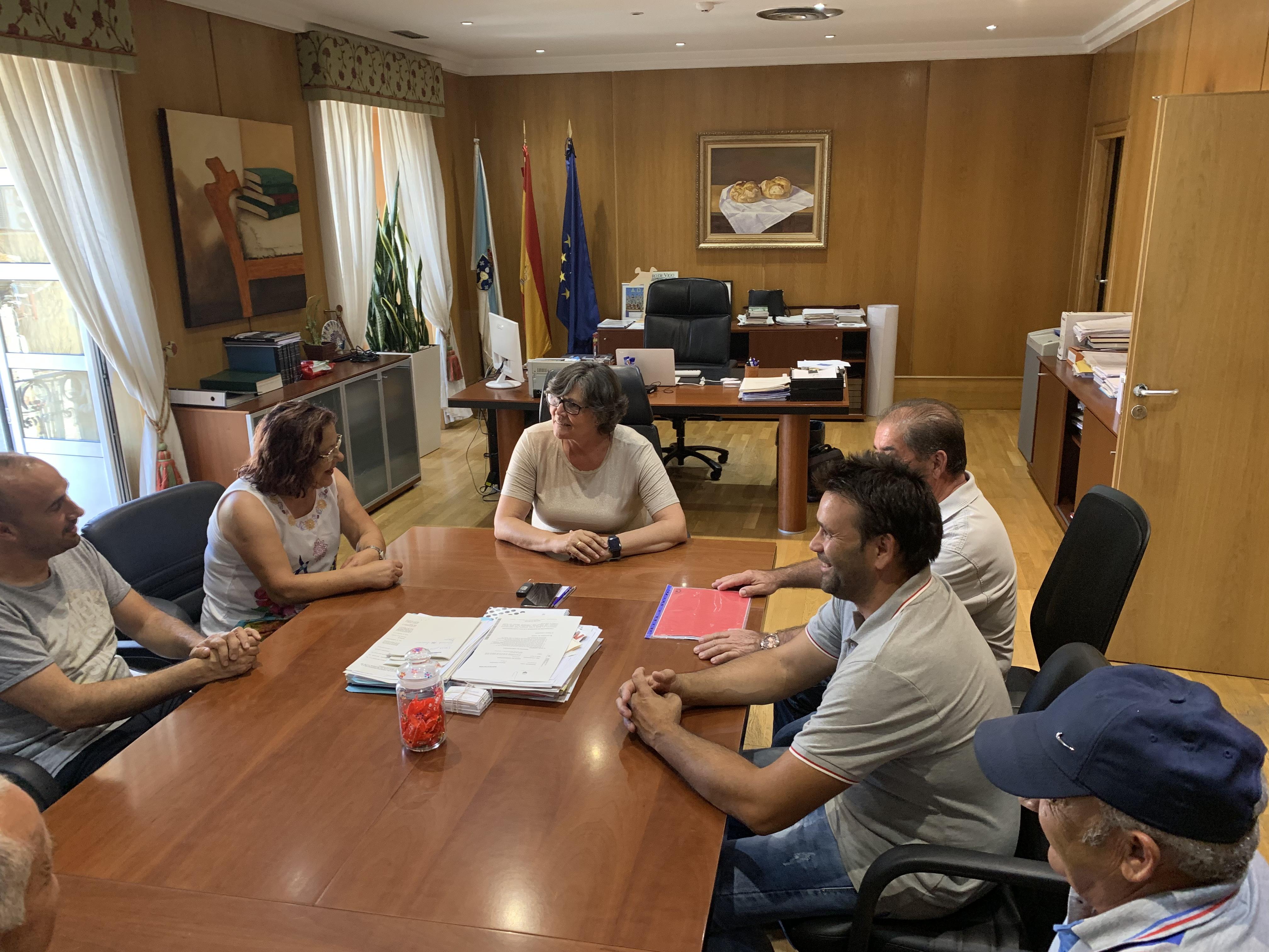 Reunión da Alcaldesa coa Comunidade de Augas de Atios