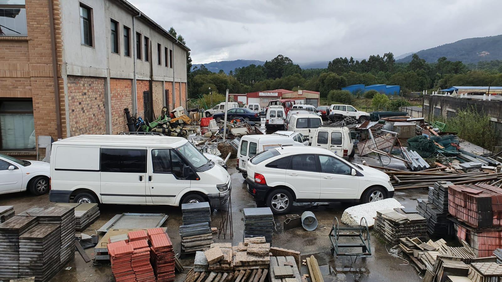 O Concello prepara a venta dos vehículos retirados do parque móbil municipal