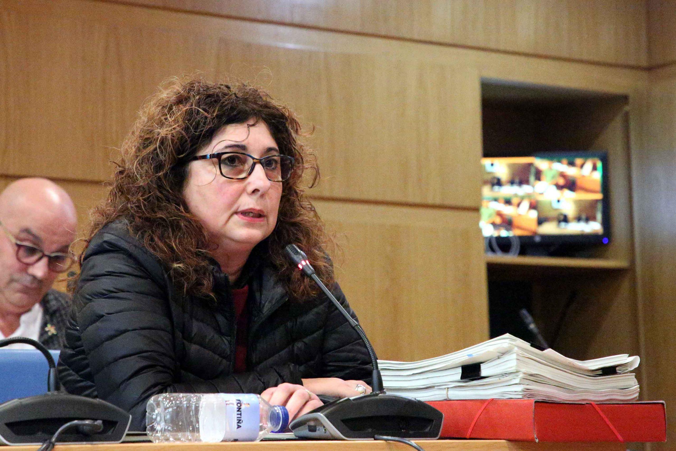 A Concelleira de Vías e Obras convoca a todas as AAVV do concello para recibir todas as peticións para bacheo, asfaltado e saneamento