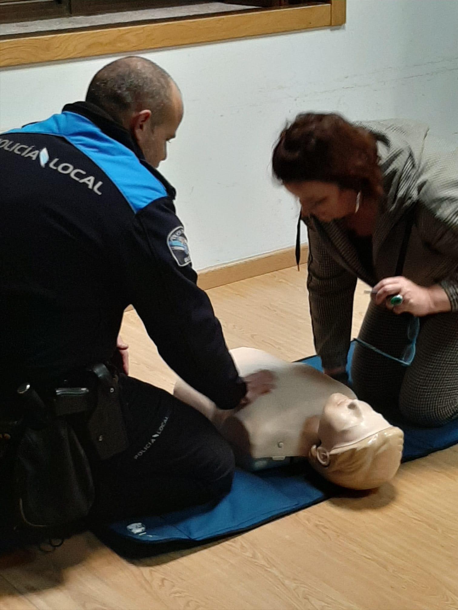 Continúa a ronda de cursos de primeiros auxilios nas AAVV que os solicitaran
