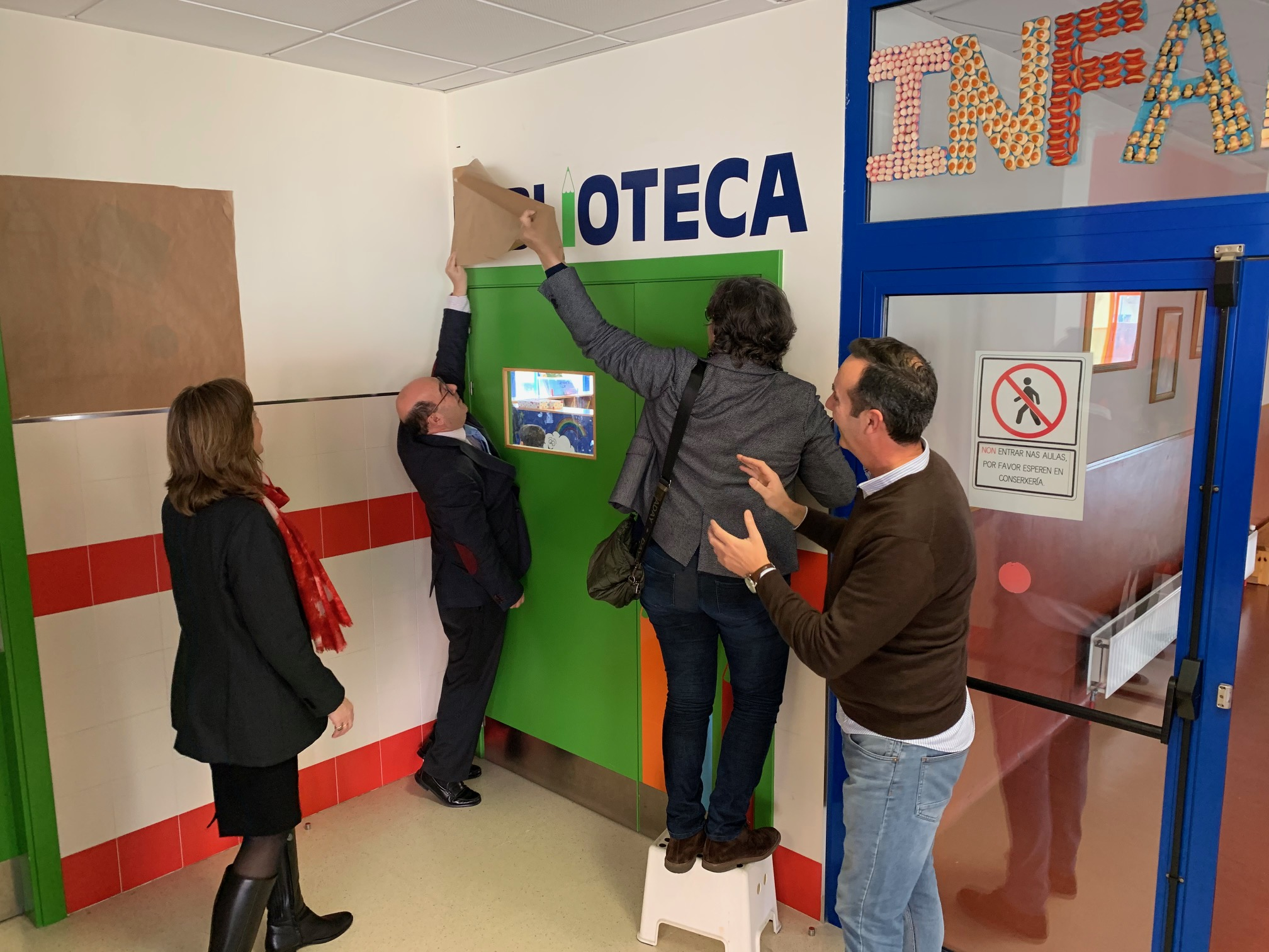 "Inaugurada a remodelación da biblioteca do CEIP ""Antonio Palacios"""