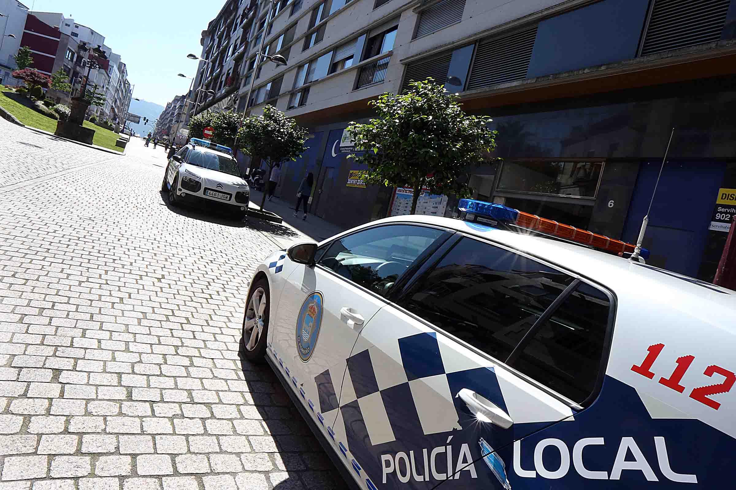 A Policía Local realizou as primeiras denuncias para sancións de 100 € por non empregar a máscara
