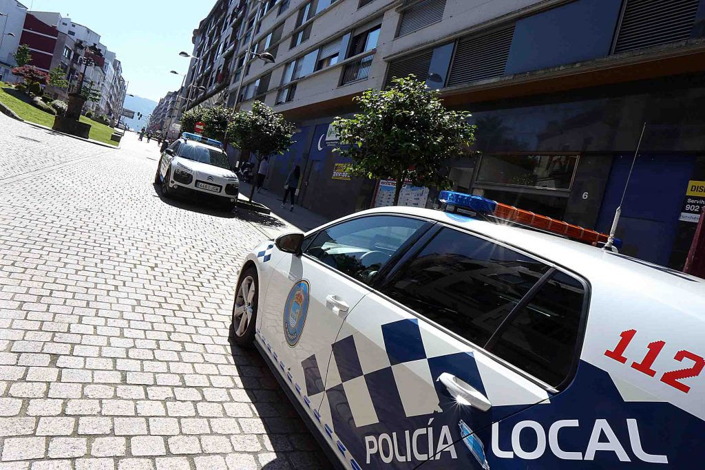 25 camioneiros multados pola Policía Local por incumprir a ordenanza que prohíbe o tráfico pesado no casco urbano