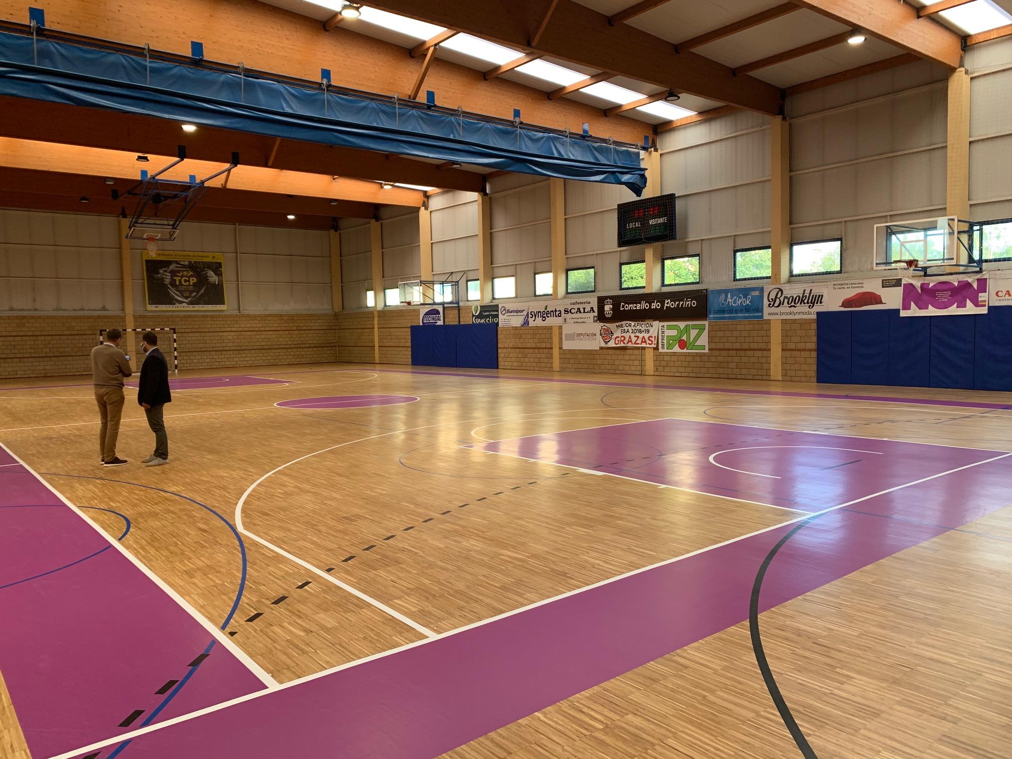 A pista 2 do Polideportivo Municipal estrea nova imaxe