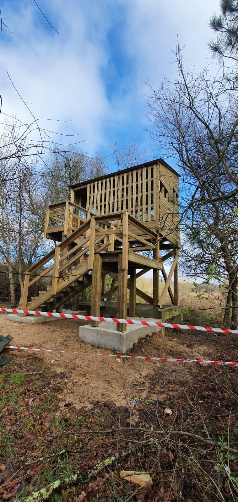 Rematada a construcción dun novo observatorio de aves nas Gándaras de Budiño