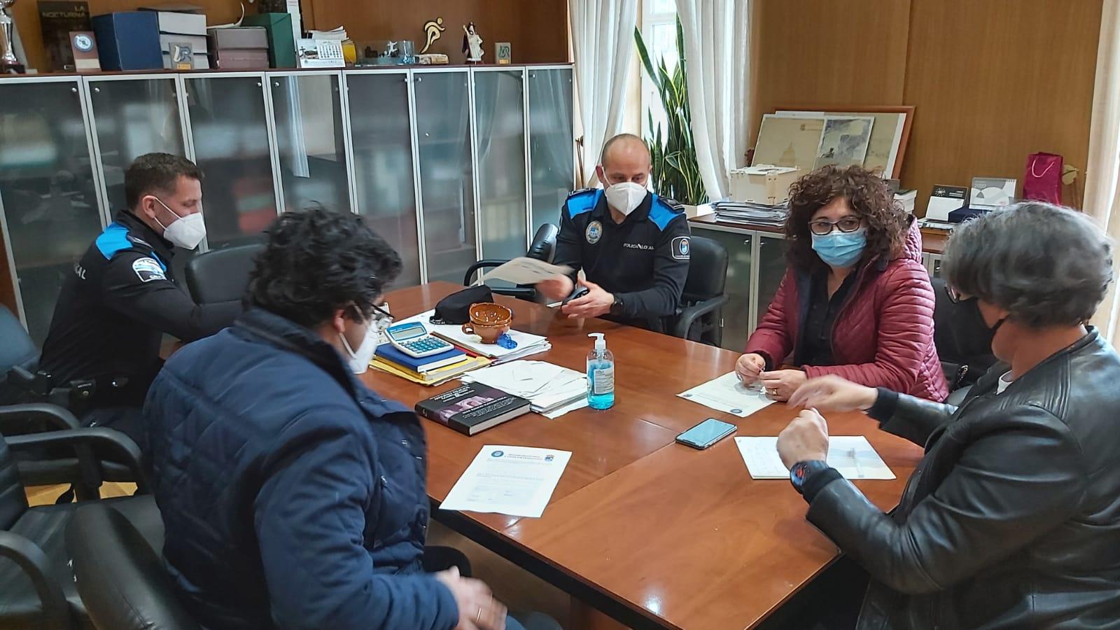 Concello e Policía Local establecen protocolos coa hostalería local para garantir o cumprimento das restricións